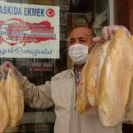 Şehit polis ailelerinden askıda ekmek bağışı